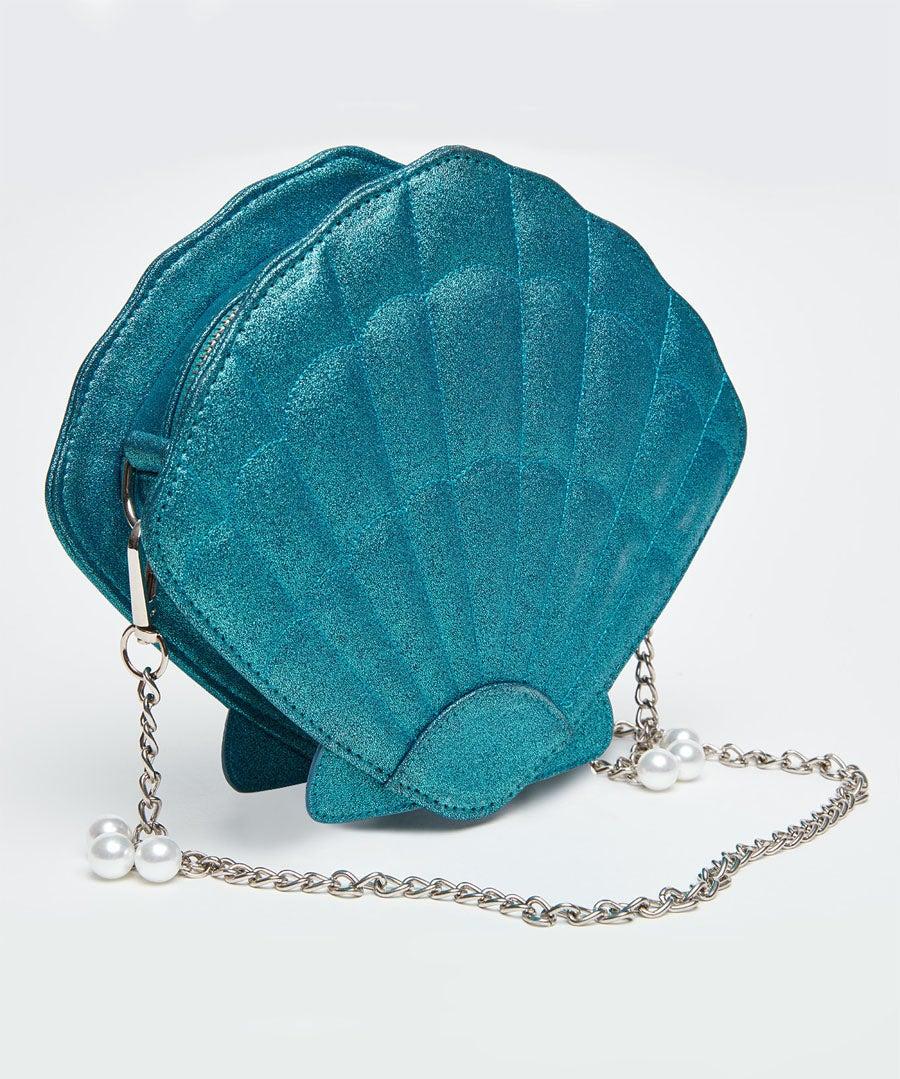 Paradise Island Shell Bag Model Back