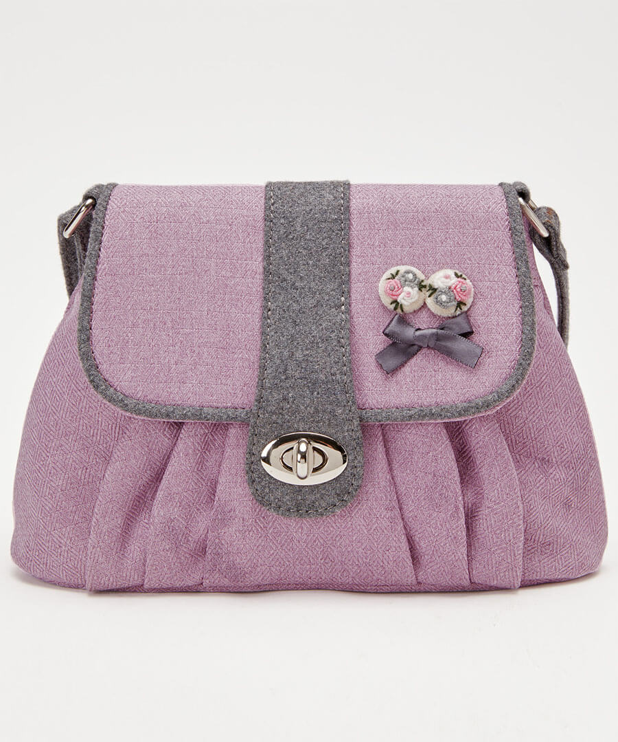 Pretty And Prim Bag Model Front
