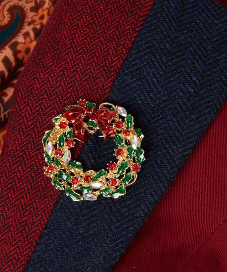 Christmas Cheer Wreath Pin