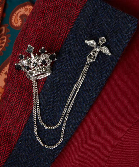 Remarkable Crown Pin