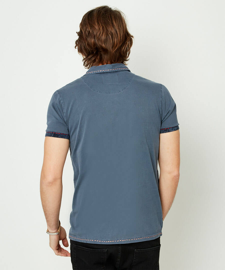 Full Of Personality Polo Model Back