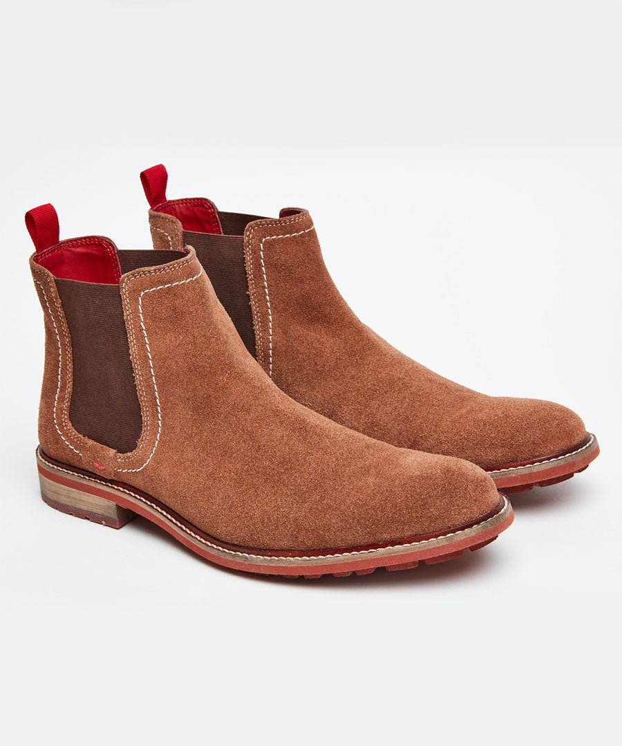 Weekend Suede Chelsea Boots Model Front