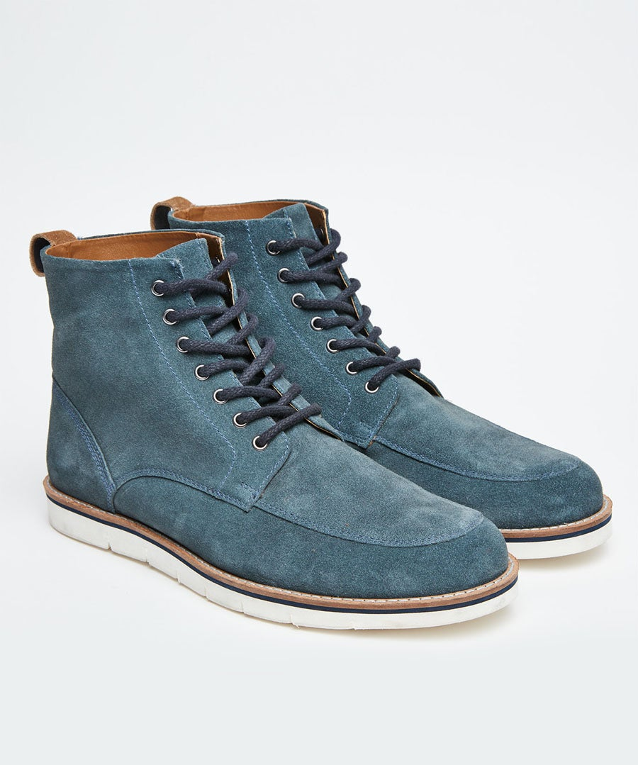 Turin Suede Boots Model Front