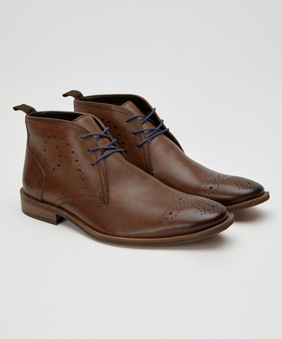 Burnished Swirl Leather Boots Model Front