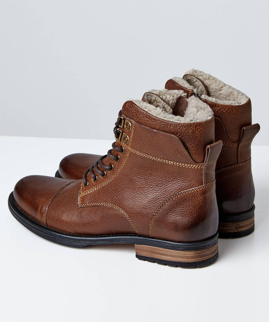Aviator Leather Boots Model Back
