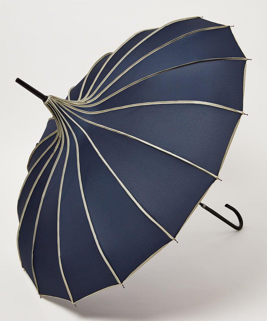 Ribbed Pagoda Umbrella Model Front