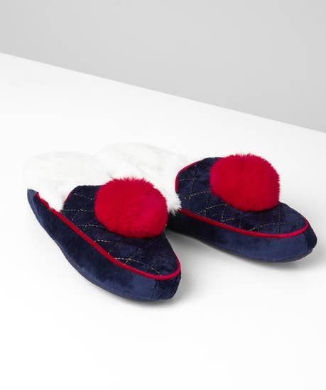 Pom Pom Fluffy Slippers