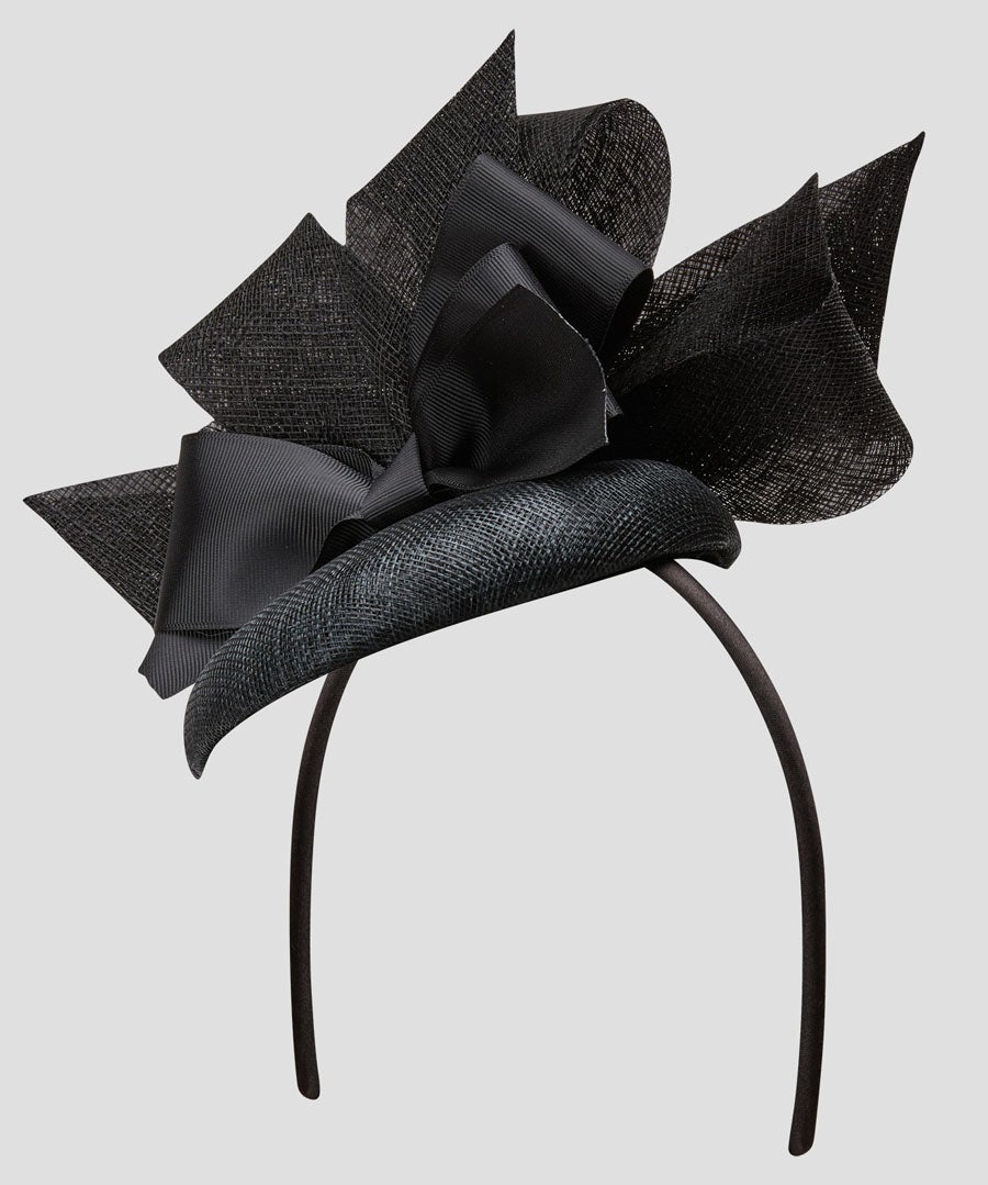 Ladies Day Fascinator Hat Model Front