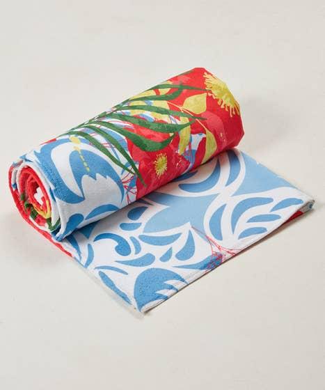 Pretty Poppy Beach Towel