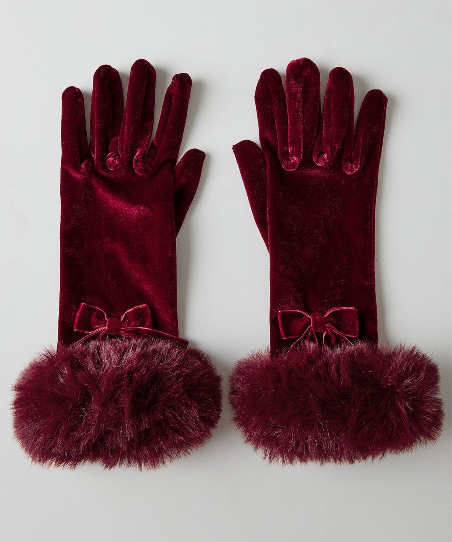 Winters Wish Velvet Gloves Model Front