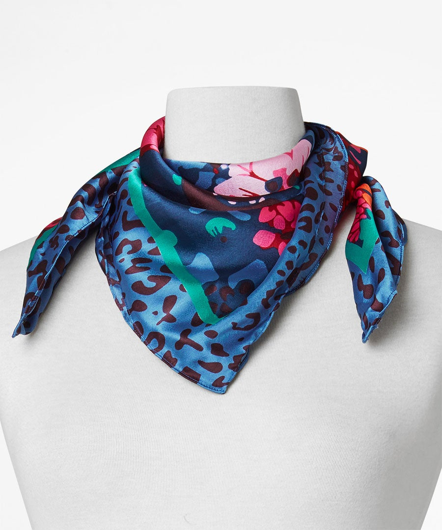 Pretty Neck And Head Scarf Model Front