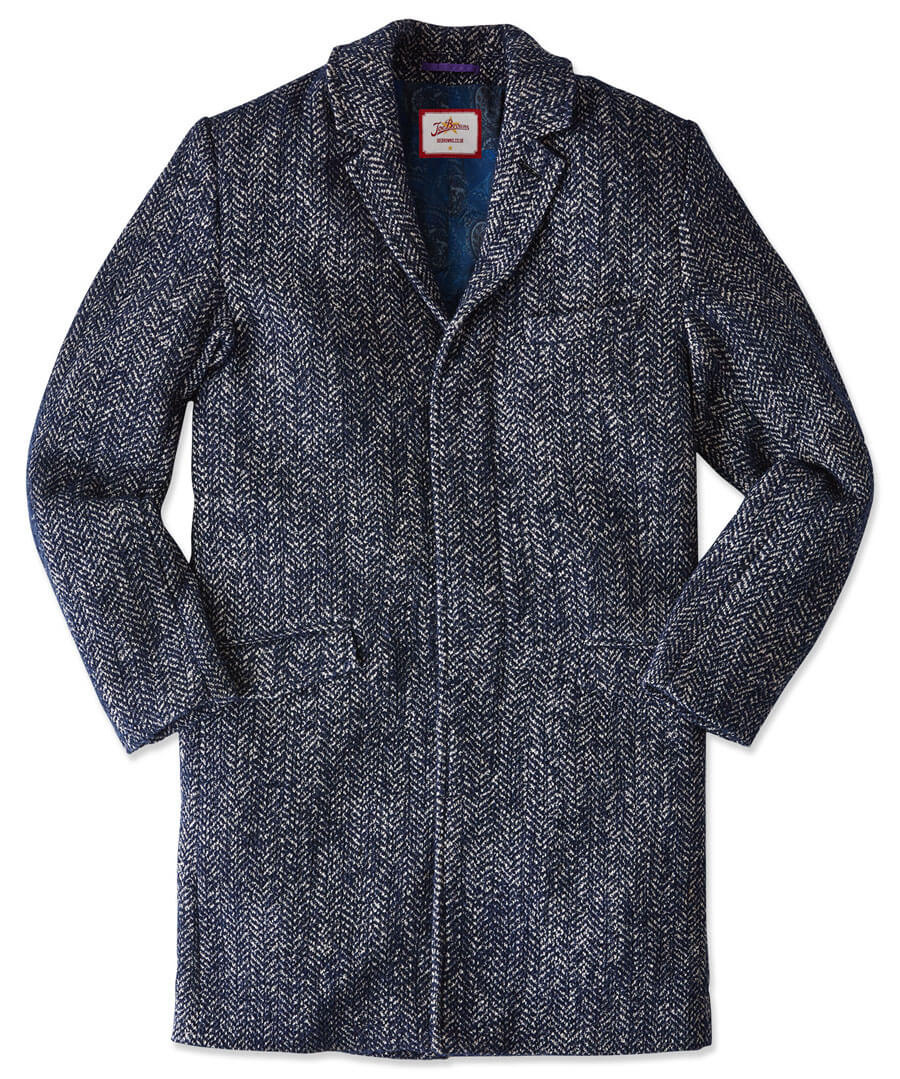 Charming Boucle Overcoat Model Front
