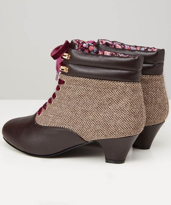 Cute And Tweedy Bootees