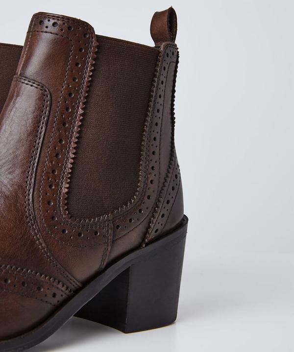 Dapper Debbie Leather Chelsea Boots