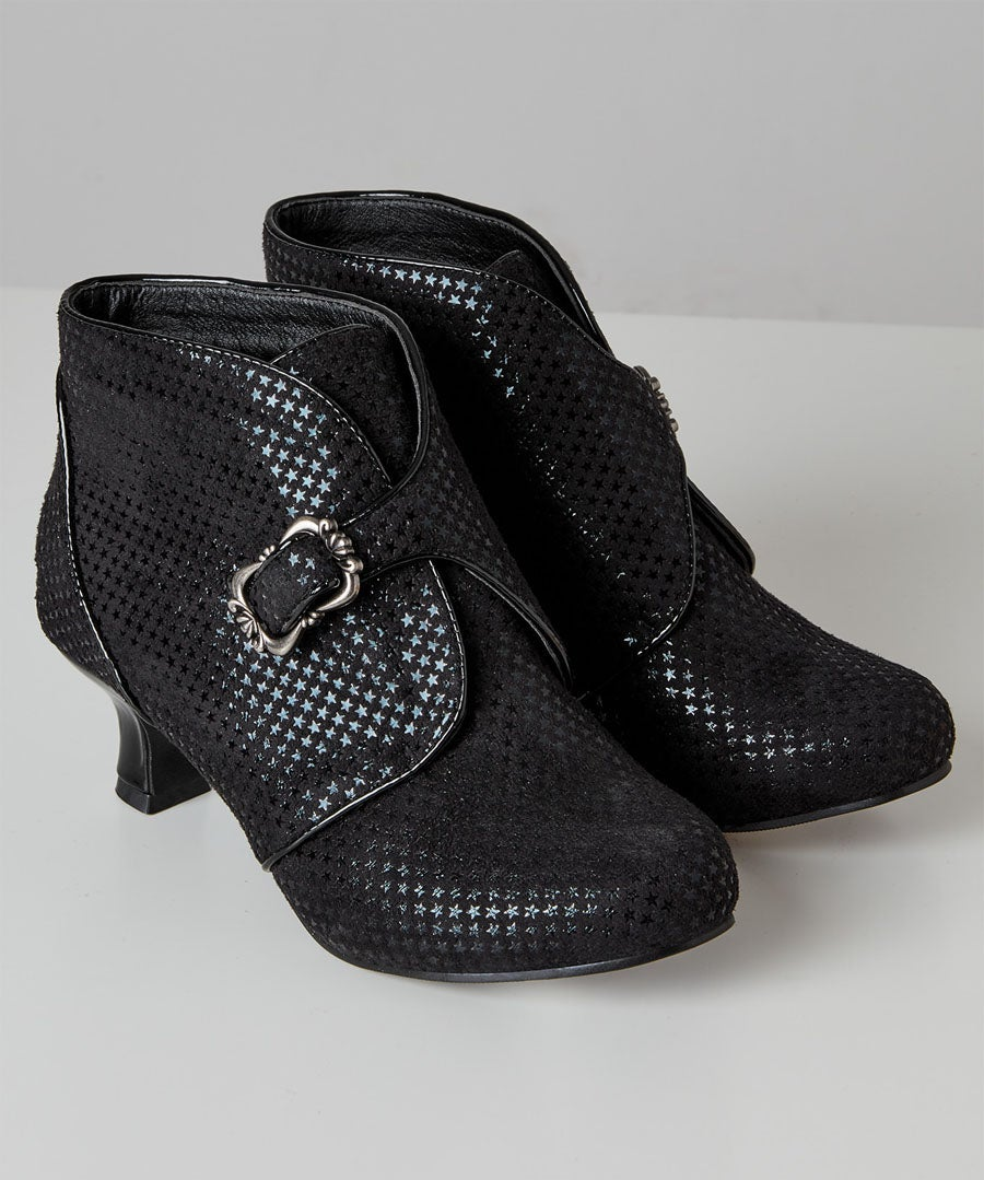 Wish Upon A Star Bootees Model Front