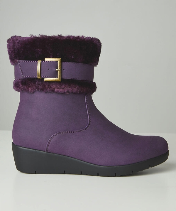 Autumn Berries Wedge Boots