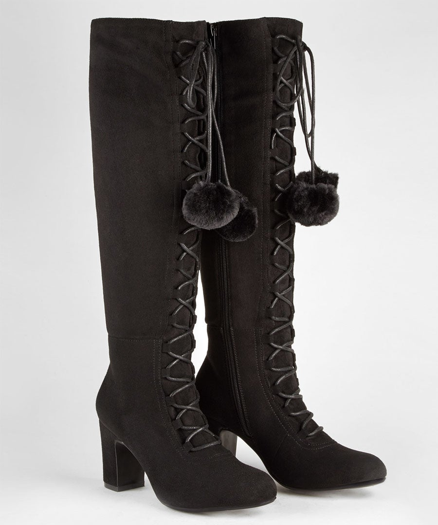Forever Individual Pom Pom Boots Model Front