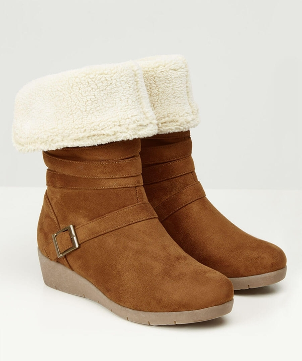 Cosy And Cute Wedge Boots