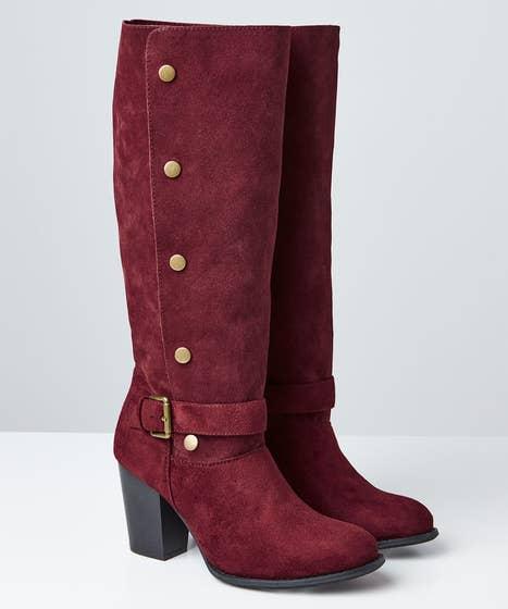 A Bold Twist Popper Boots