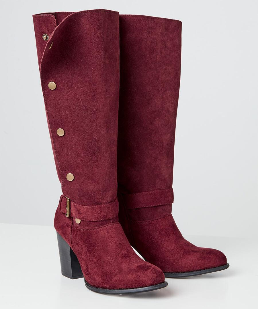 A Bold Twist Popper Boots Model Back