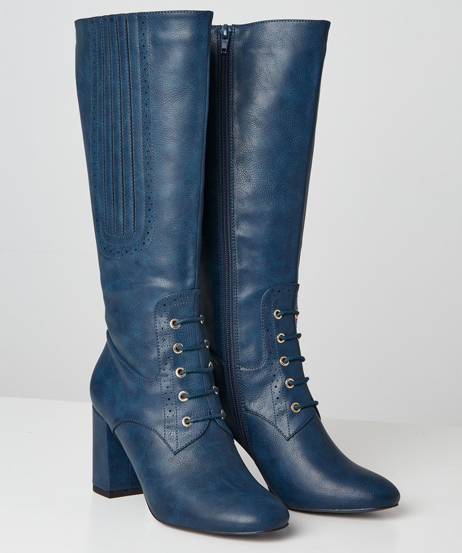 Very Victoriana Long Boots Model Front