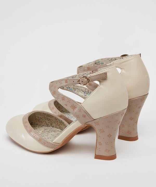 Sweet Elinor's Shoes