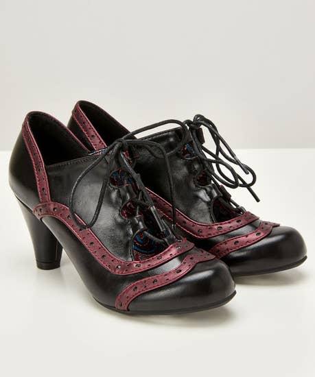 Uniquely Vintage Tie Shoes