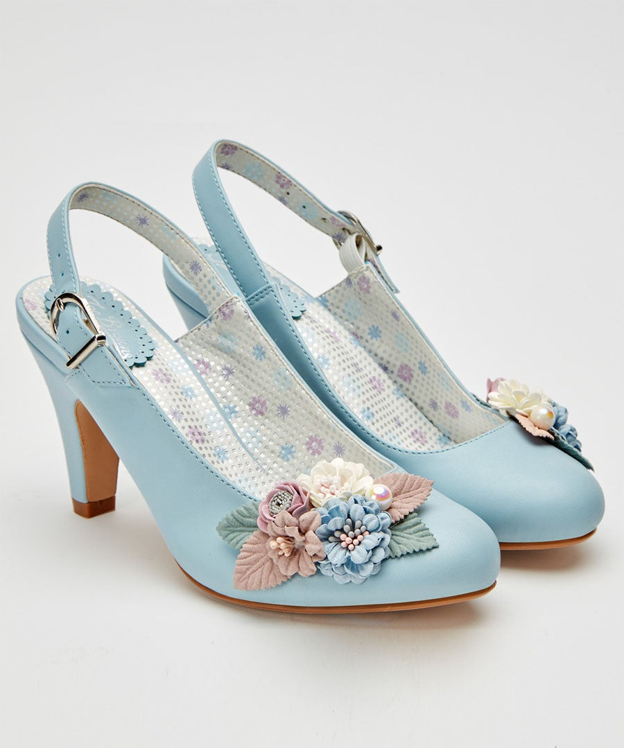Field Of Flowers Shoes Model Front