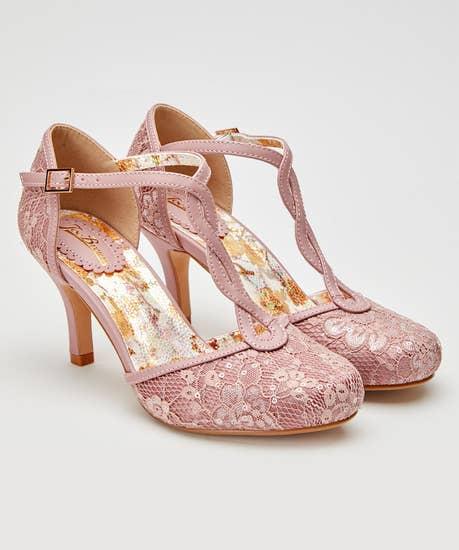 La Vie En Rose Shoes