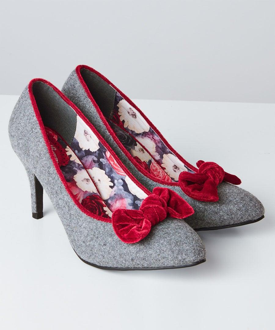 Rockefeller Velvet Bow Shoes Model Front