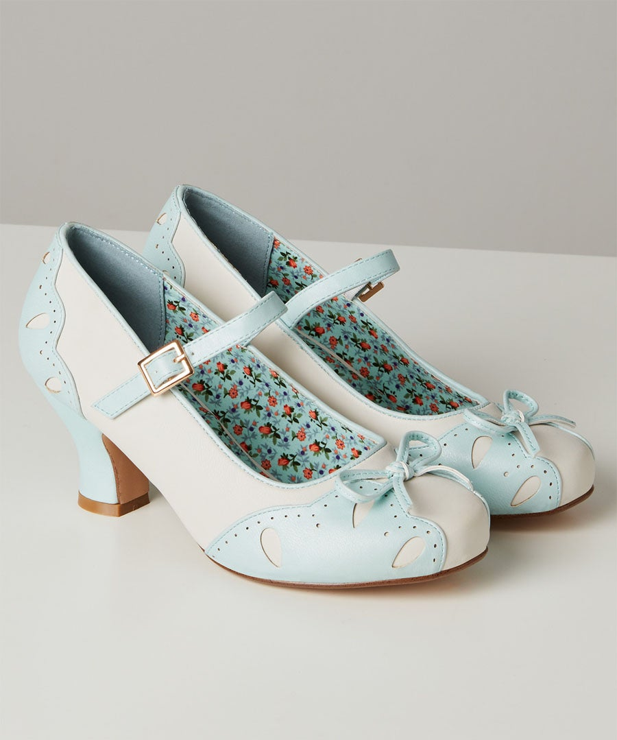 Tea And Cakes Vintage Shoes Model Front