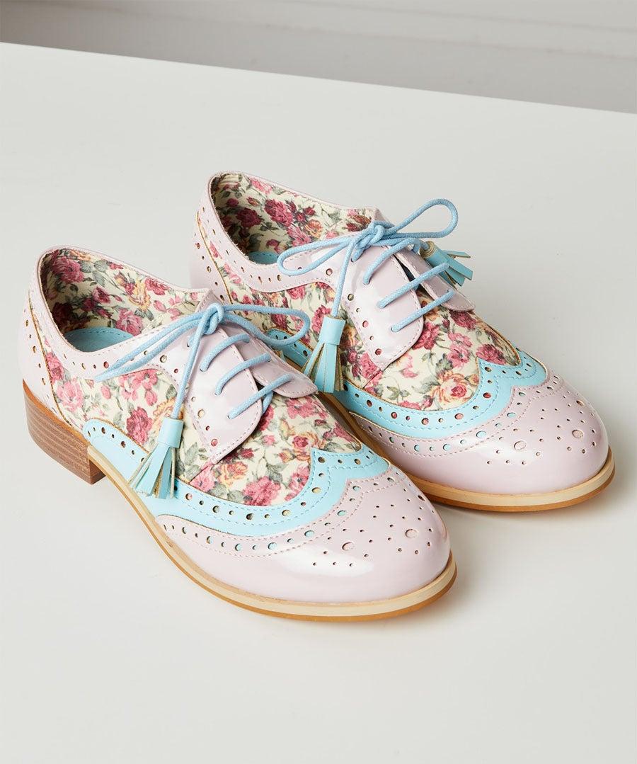 Pretty Dapper Brogue Shoes Model Front