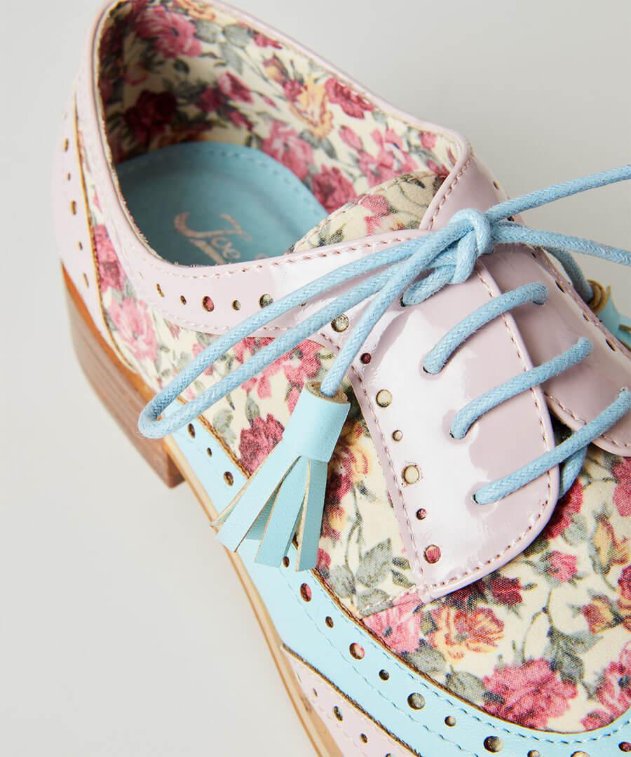 Pretty Dapper Brogue Shoes Model Back