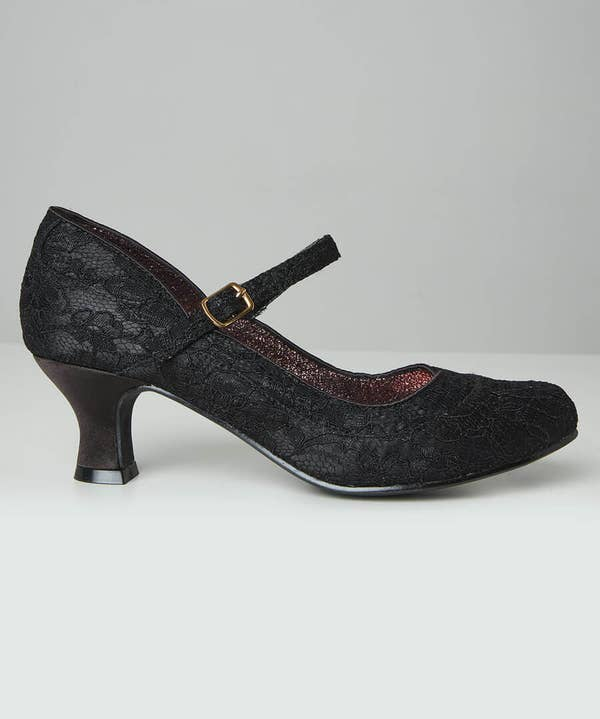 Perfectly Pretty Vintage Lace Shoes