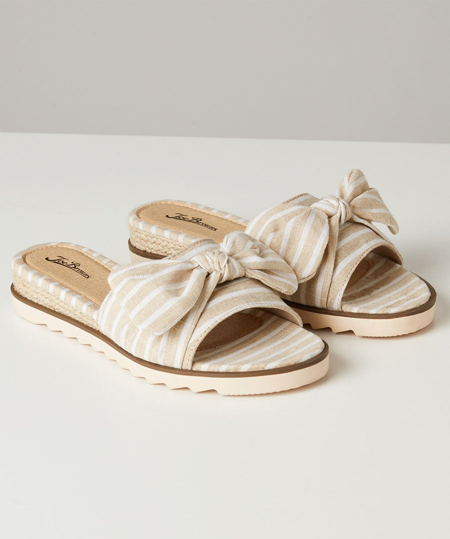 Cool And Breezy Bow Sandals Model Front