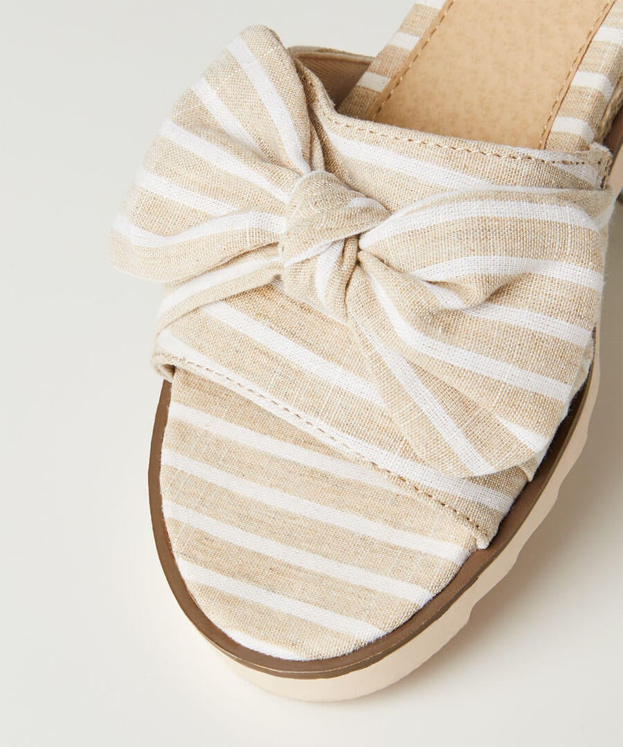 Cool And Breezy Bow Sandals Model Back