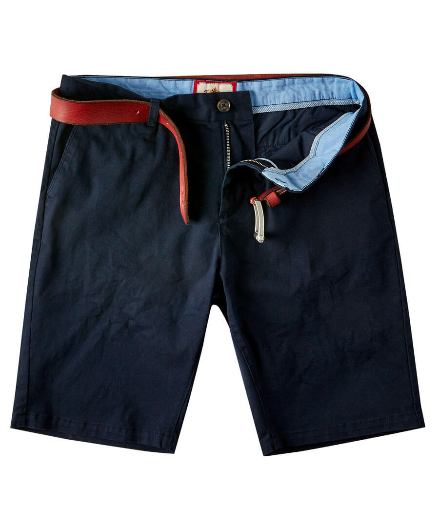Style Up Summer Shorts Model Front