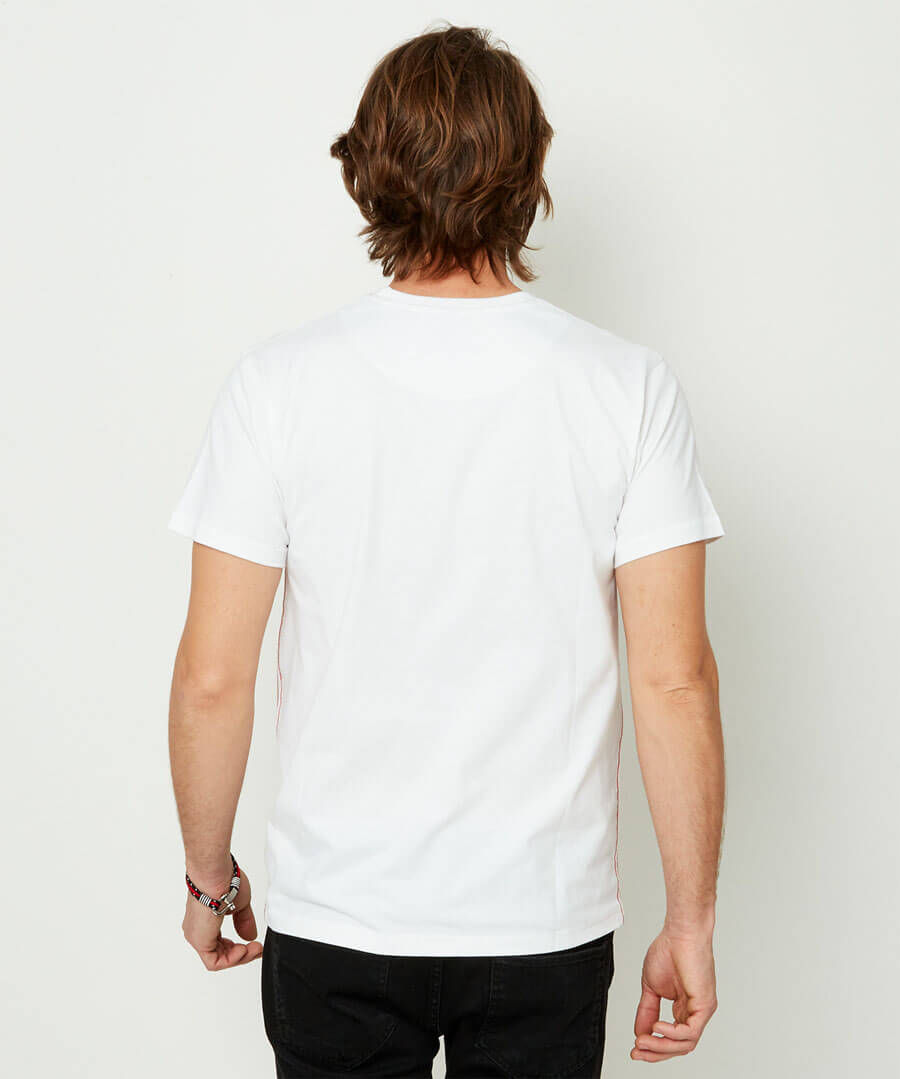 Back To Nature Tee Model Back