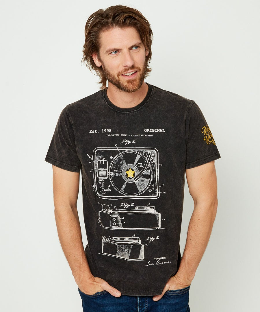Turntable Tee Model Front