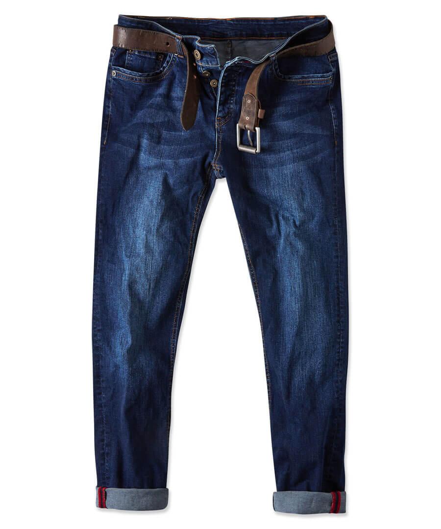 Sensational Skinny Jeans Model Front