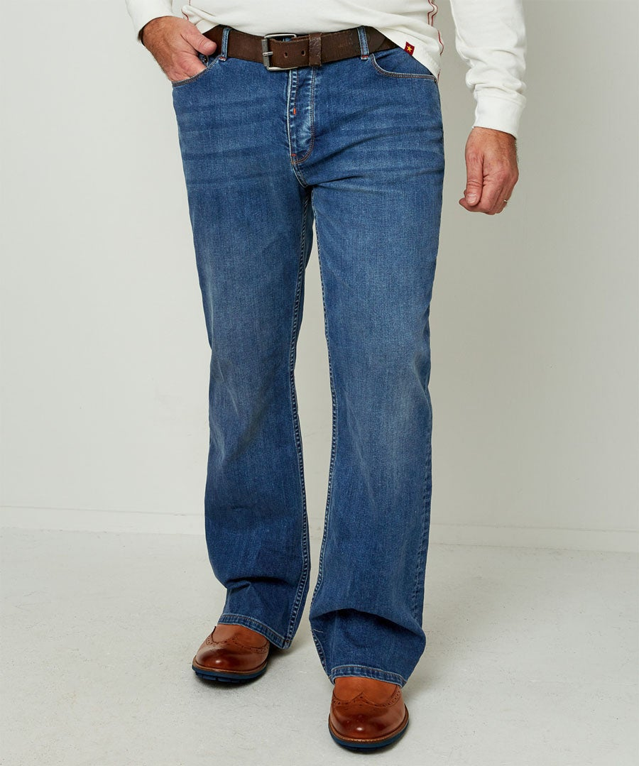 Brilliant Bootcut Jeans Model Front