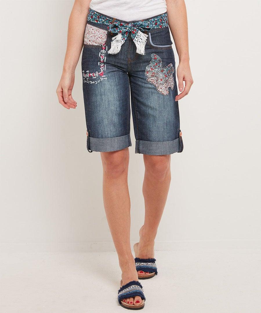 Applique Boyfriend Shorts Model Front