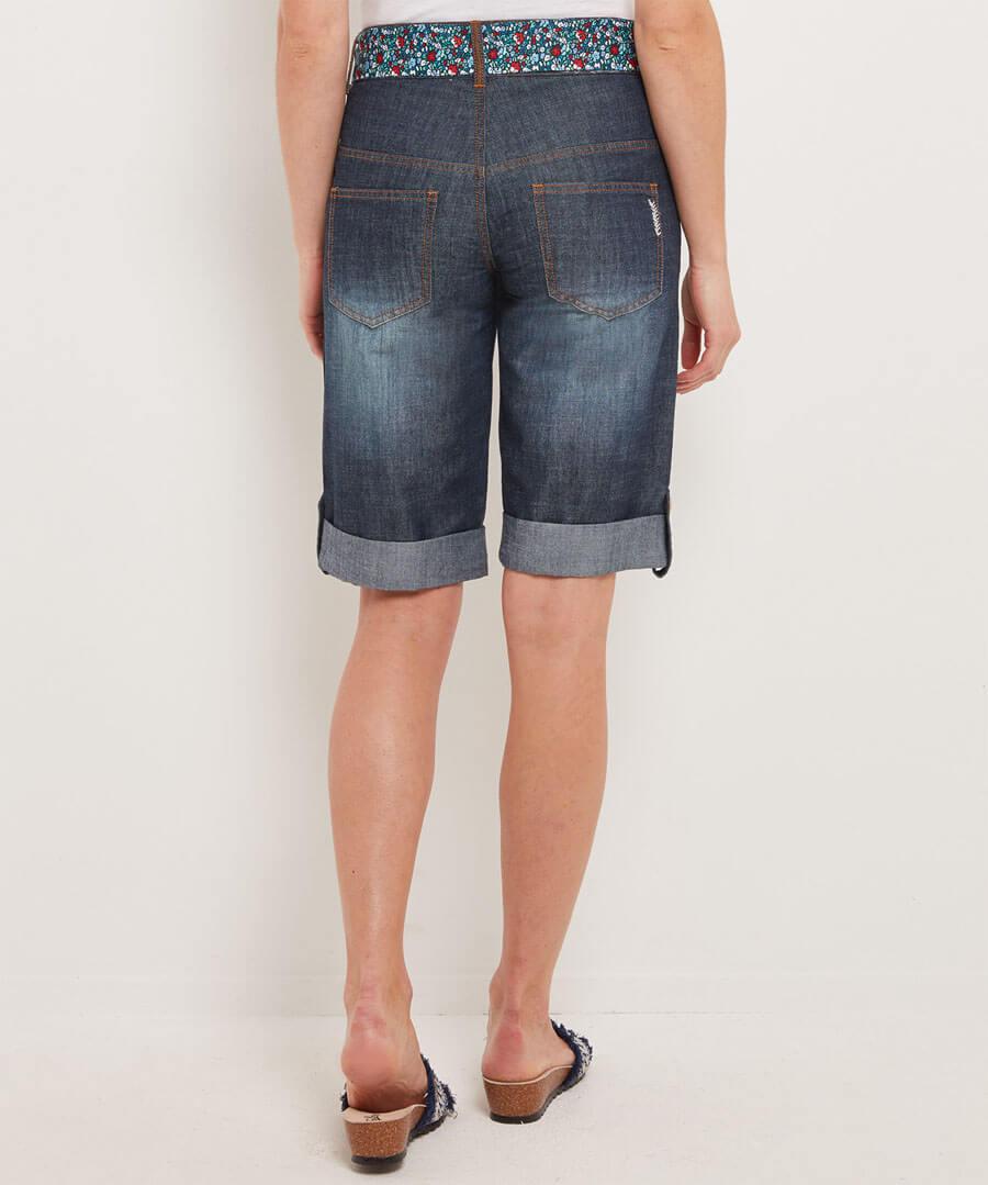 Applique Boyfriend Shorts Model Back