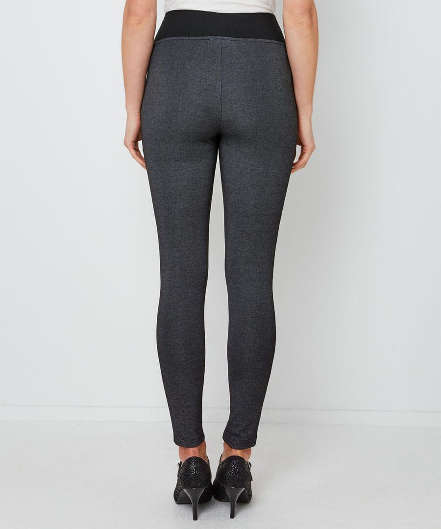 Comfort Leggings Model Back