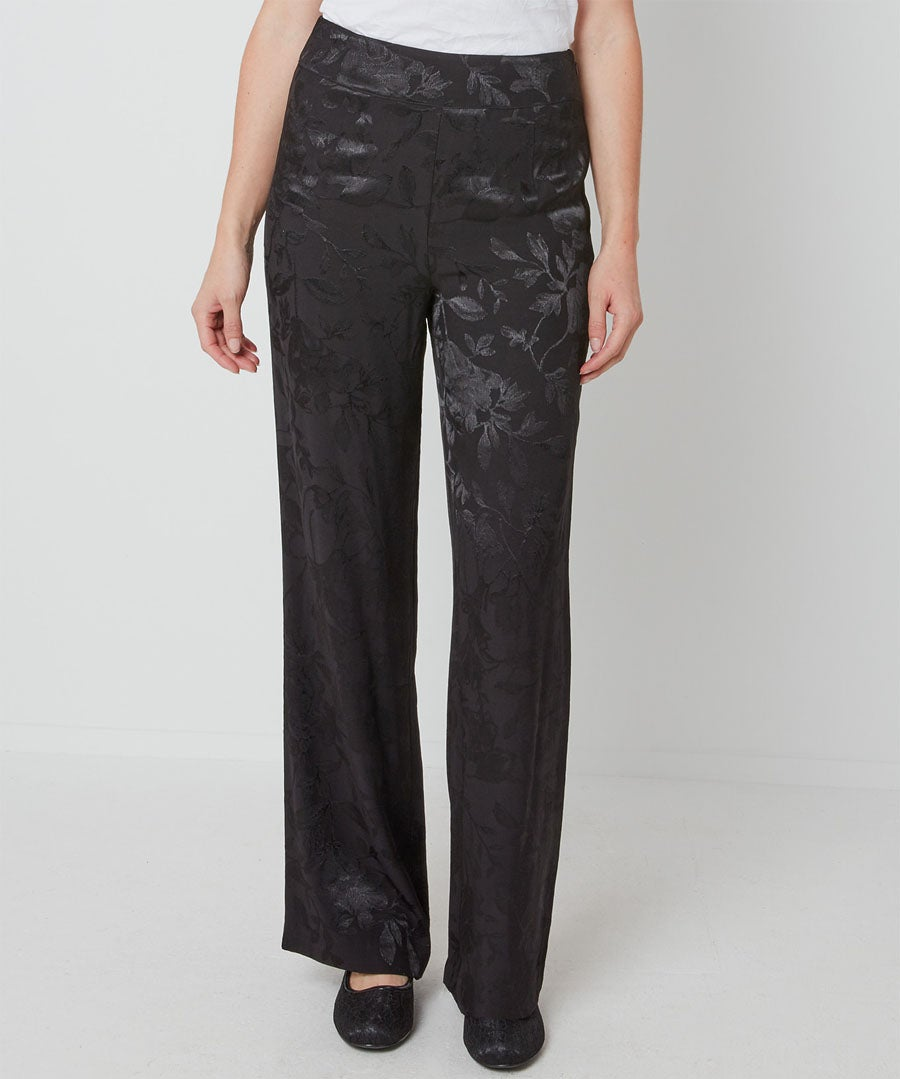 Jacquard Wide Trousers Model Front