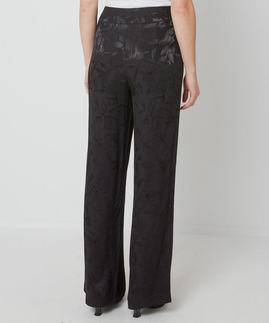 Jacquard Wide Trousers Model Back