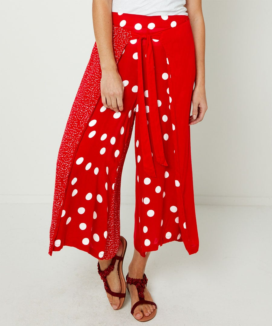 Join The Dots Cropped Trousers Model Front