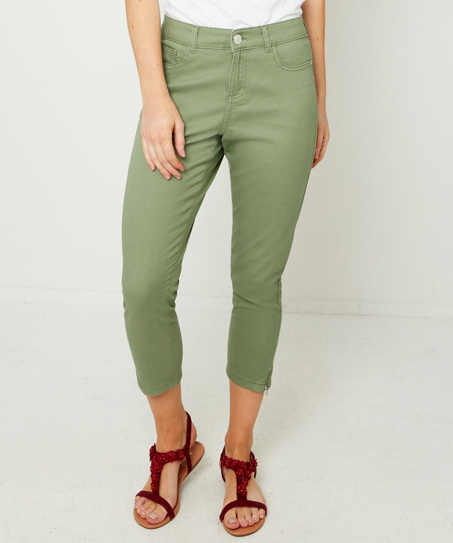 Cropped Jeans Model Front