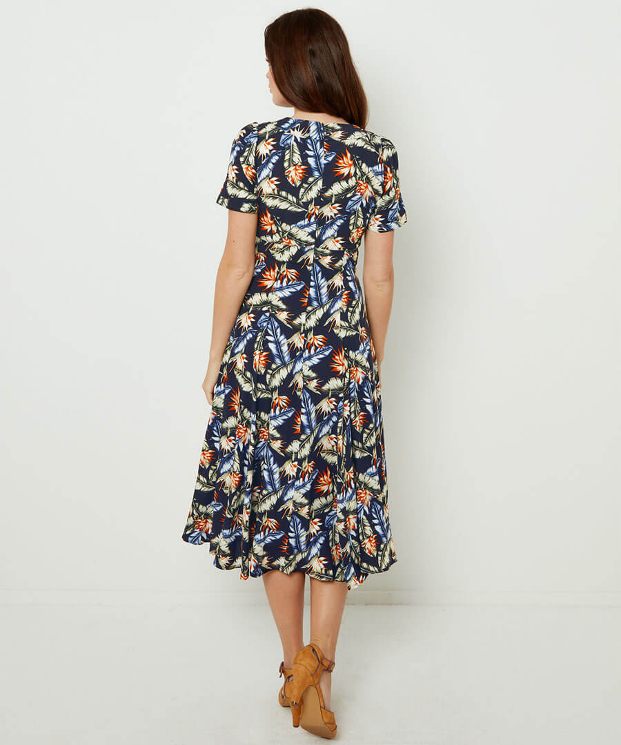 Fabulous Vintage Collar Dress Model Back