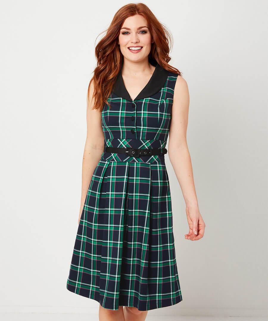 Sleeveless Check Dress Model Front